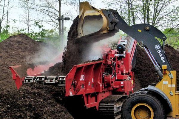compost-grinder-3389086_640